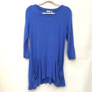 LOGO by Lori Goldstein blue tunic top with pockets